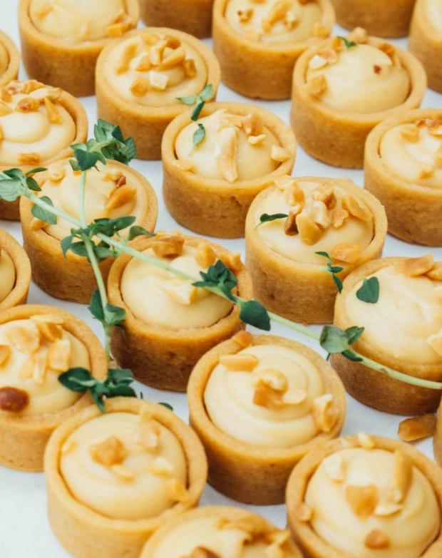 monti-festino-peanut-cream-cheese-tartlets