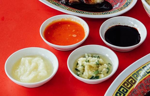 haikee-chicken-rice-sauces-3