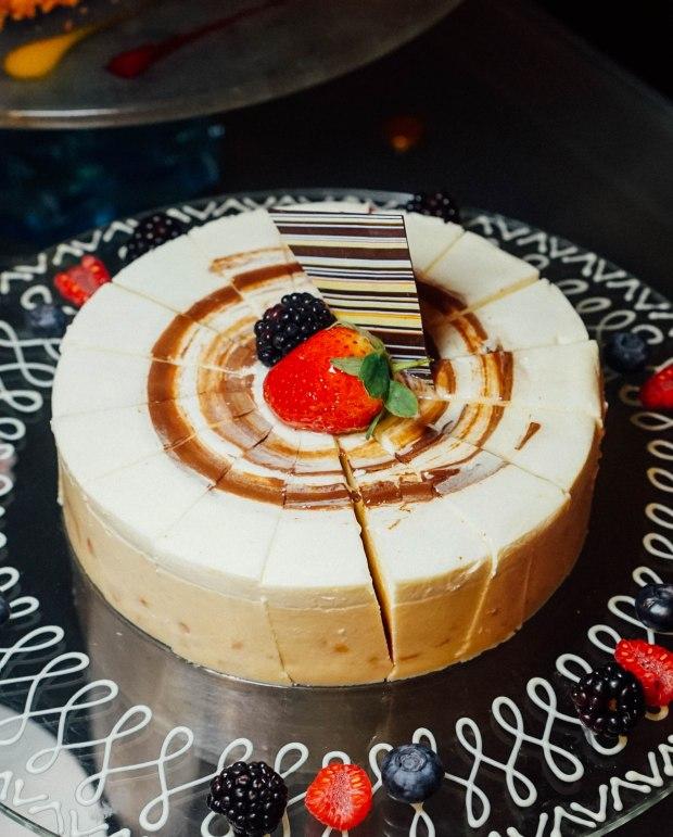 amara hotel 100am mall Chempedak Cake