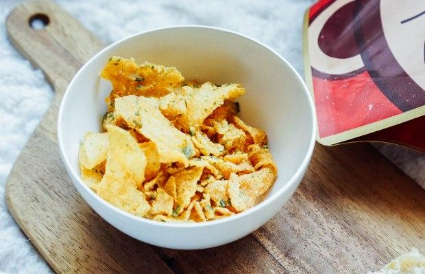 snacky and crisps laksa potato crisps