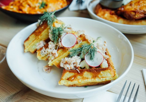 montana-assam-crab-waffle