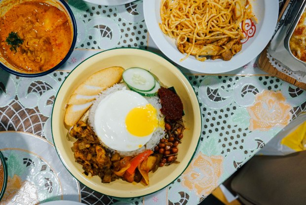 old-chang-kee-flagship-nasi-lemak-with-dry-curry-chicken