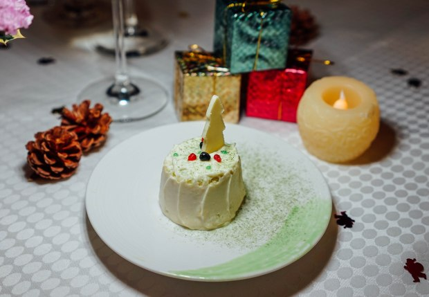 amara-hotel-japanese-cheese-log-cake-2