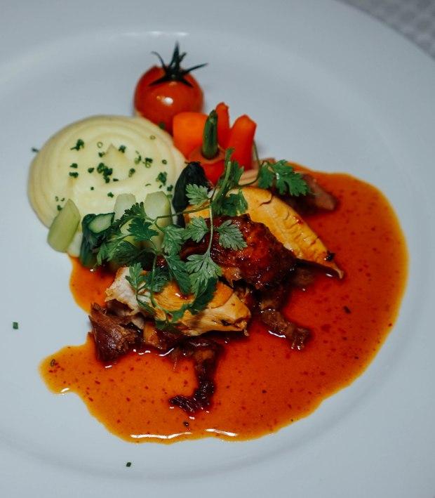 amara-hotel-slow-roast-turkey-with-szechuan-spicy-sauce