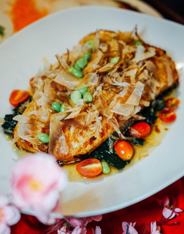 amara-hotel-cny-2019-soy-baked-sea-perch-with-spinach-in-bonito-sauce-2