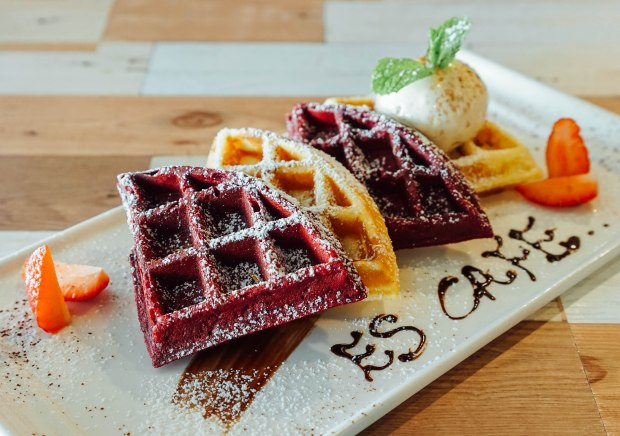estation-cafe-half-and-half-waffles