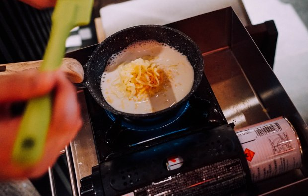 keisuke-omurice-cheese-sauce-1