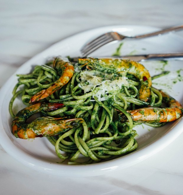 lots-gourmet-prawn-and-spinach-aglio-olio