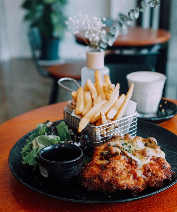 flagwhite-chicken-parmigiana-3