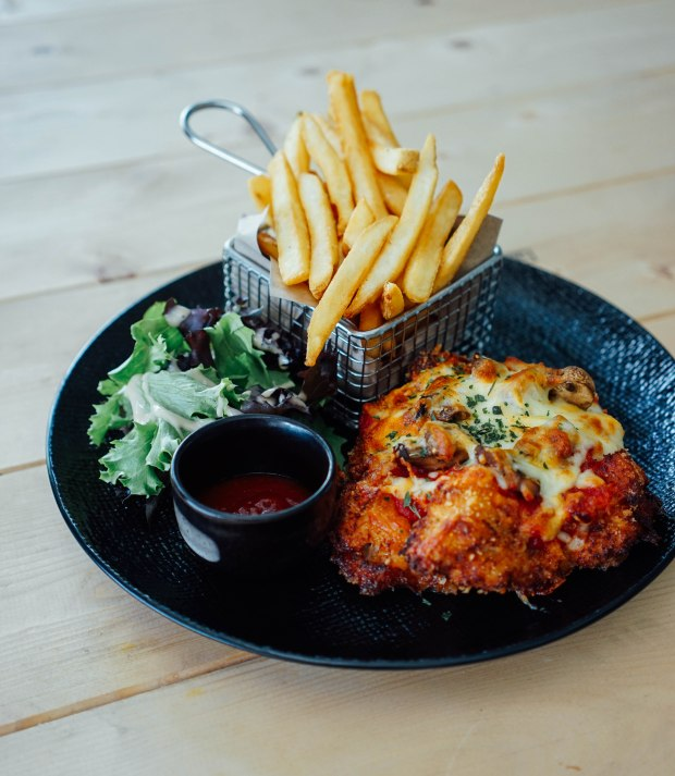 flagwhite-chicken-parmigiana