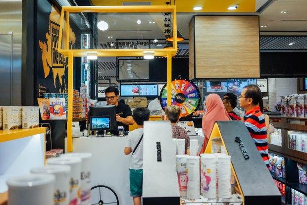 myeureka-snackbar-jewel-changi-airport-flagship-store