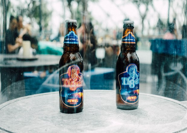tiger-street-lab-jewel-changi-airport-customisable-beer-bottles