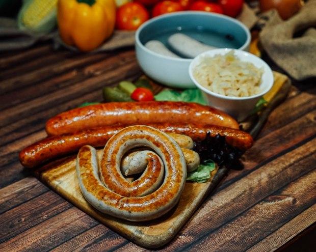 brotzeit-sausage-platter