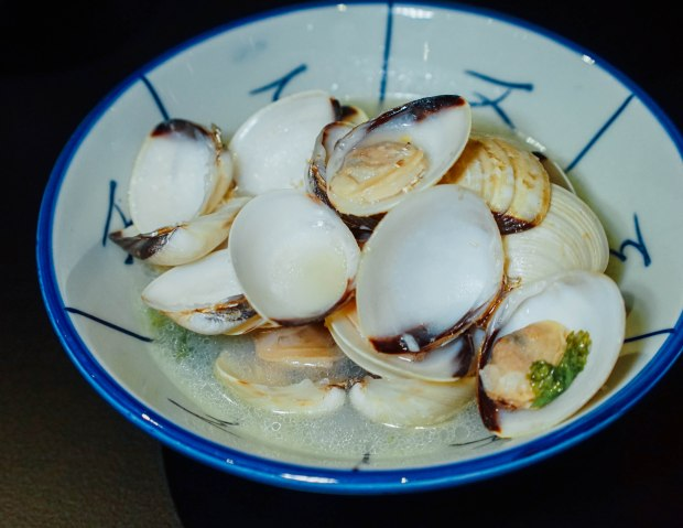 izy-fook-steamed-clams-in-dash