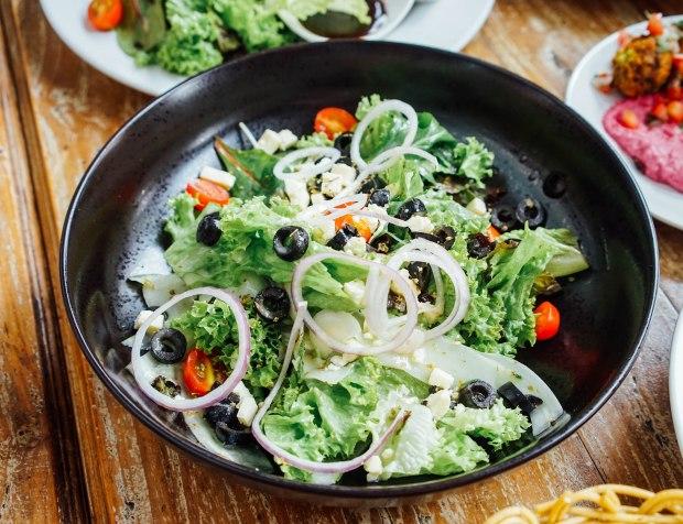 miska-cafe-greek-salad