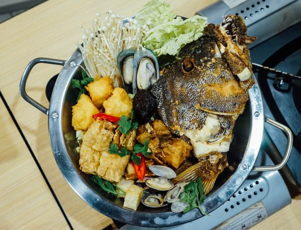 soi-thai-soi-nice-royal-thai-fish-head-hot-pot-2