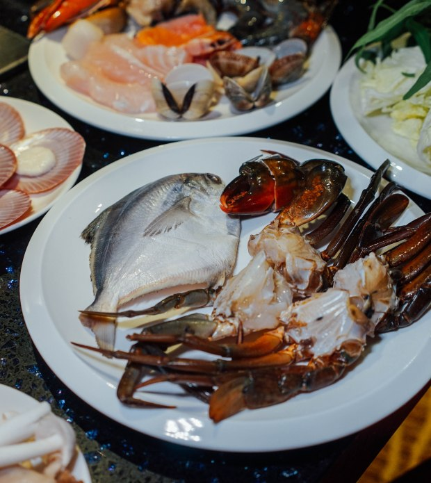 m-hotel-the-buffet-steamboat-2