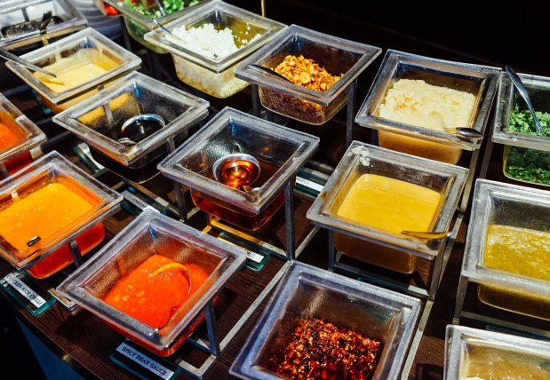 m-hotel-the-buffet-steamboat-sauces