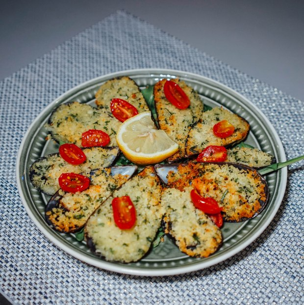 roots-mediterranean-gratinated-mussels