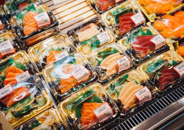 &joy-dining-hall-&joy-eats-sashimi