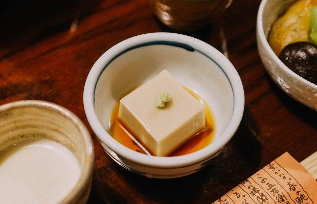 nanzenji-junsei-yudofu-hotpot-set-sesame-tofu