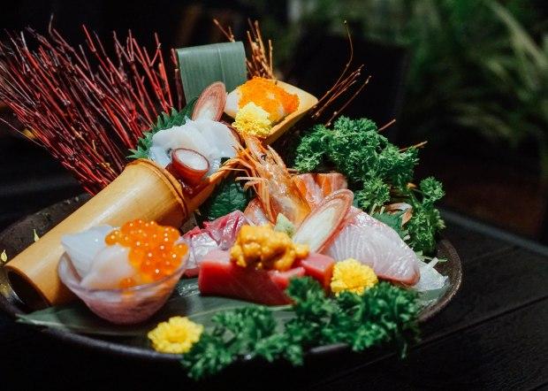 ten-sushi-deluxe-ten-assorted-sashimi-deluxe