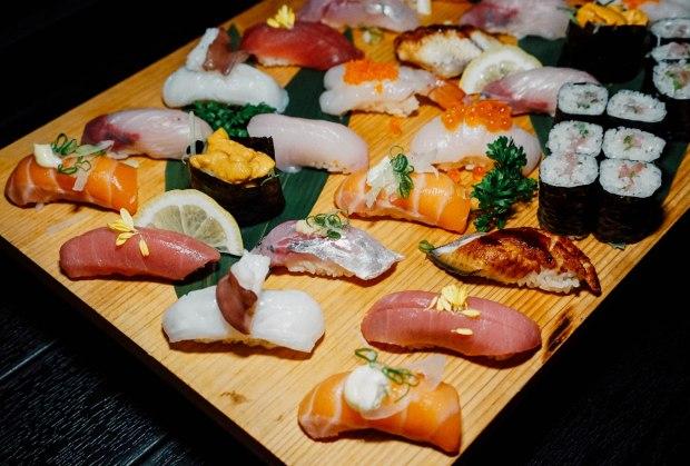 ten-sushi-omakase-sushi-box-2