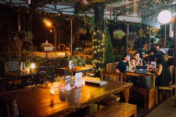 famous-bar
