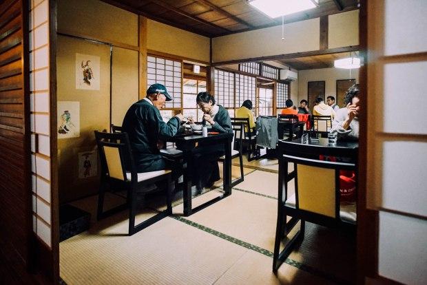 honke-tsuruki-soba-dining-area