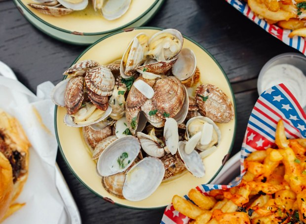 mischief-buttered-clams
