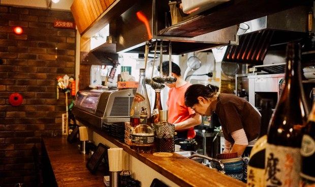 station-front-bar-okura-shiga-counter