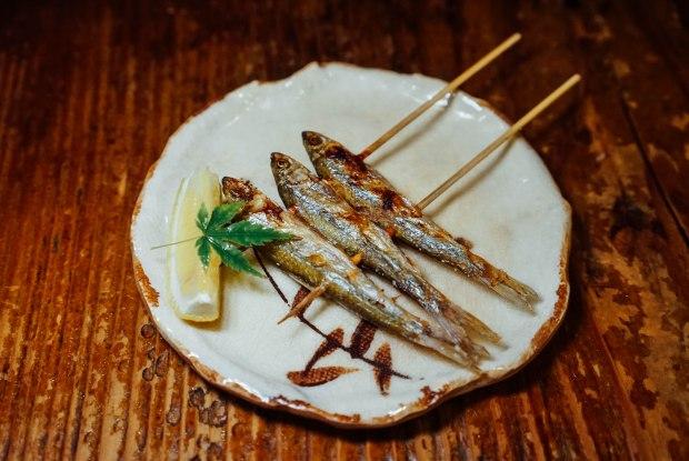 station-front-bar-okura-shiga-skewered-fish-of-biwa