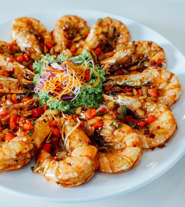 goldleaf-restaurant-pan-fried-tiger-prawns