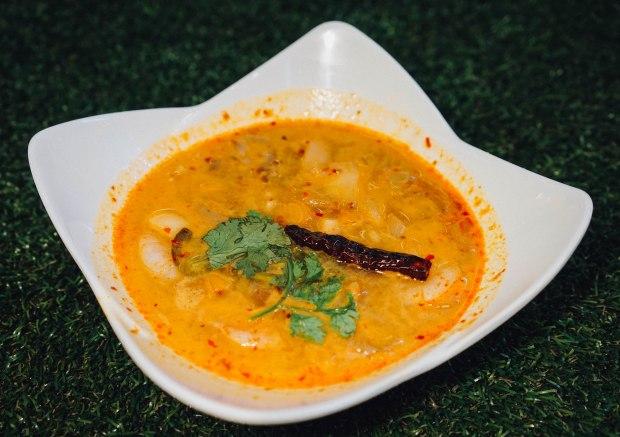 real-thai-creamy-tomyum-shrimp-soup
