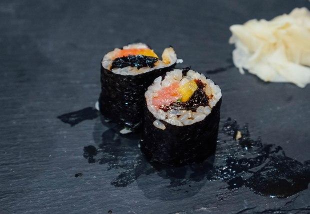 mai-by-dashi-master-marusaya-otoro-takuwan-and-wasabi-konbu-hosomaki-2