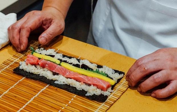mai-by-dashi-master-marusaya-otoro-takuwan-and-wasabi-konbu-hosomaki