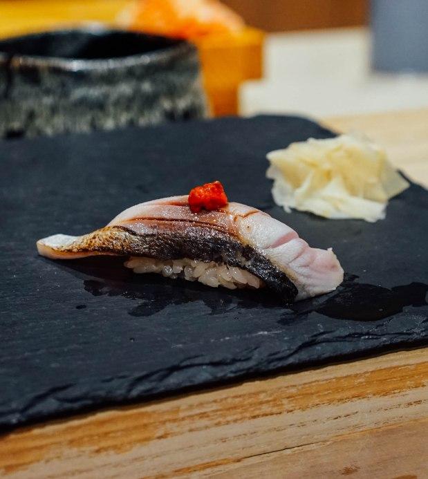 mai-by-dashi-master-marusaya-saba-with-momiji-oroshi-nigiri