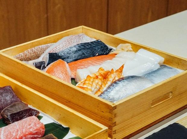 mai-by-dashi-master-marusaya-seafood-cuts