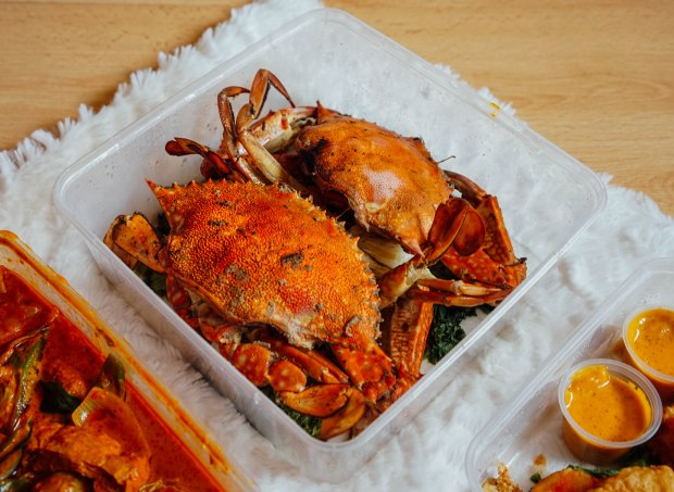 famous-kitchen-baked-flower-crab-with-rock-salt