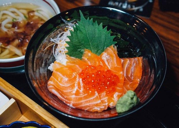 dashi-master-marusaya-salmon-and-ikura-bowl