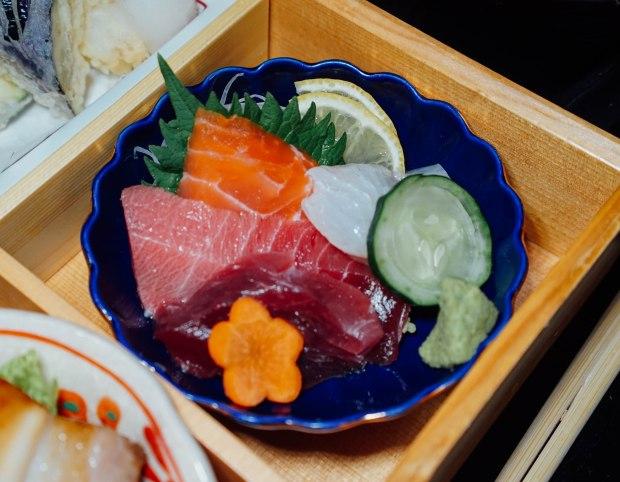 dashi-master-marusaya-sashimi