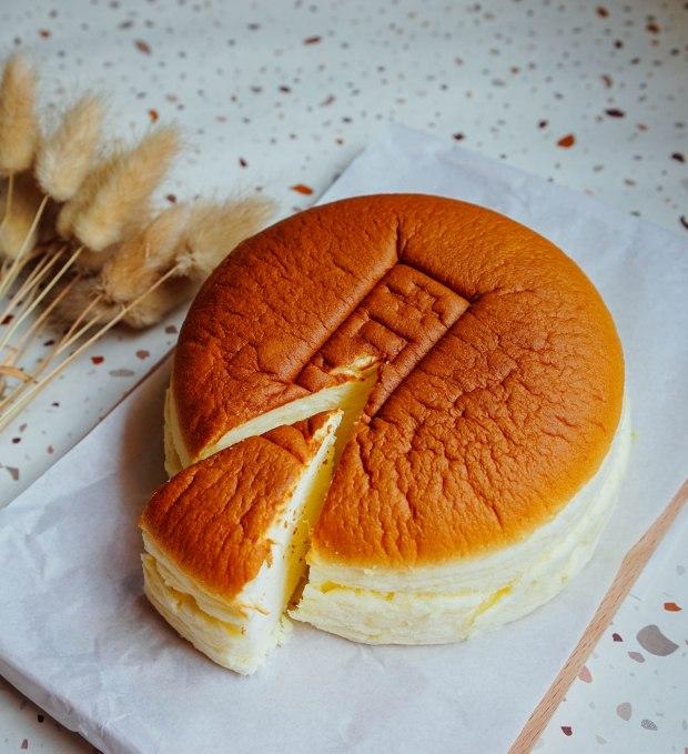 kiroi-freshly-baked-cheesecake