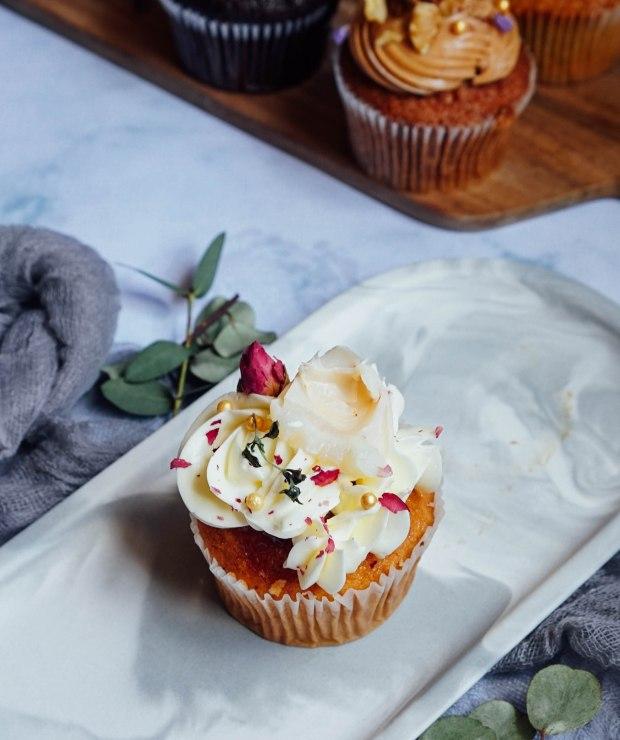 sarahs-loft-cupcake-rose-lychee