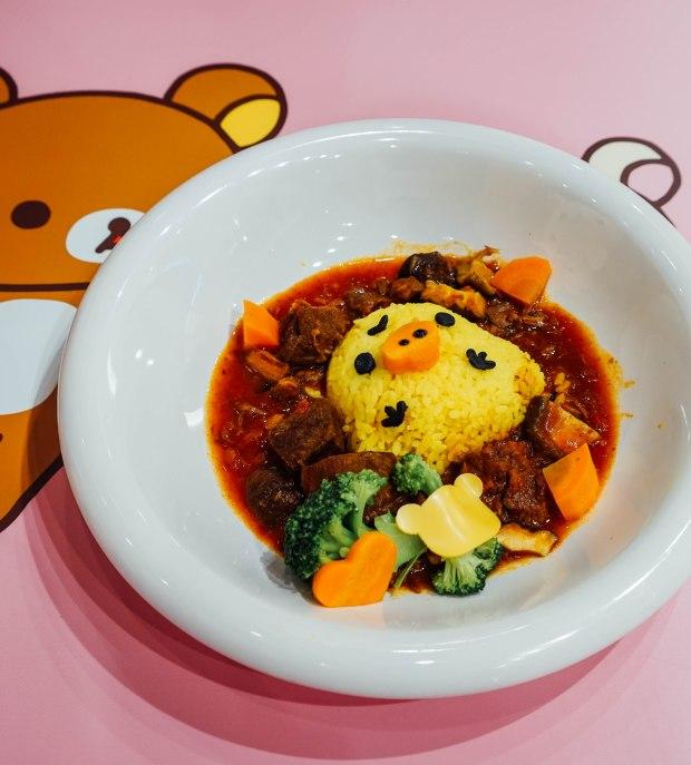 rilakkuma-cafe-Chirpy Kiiroitori Beef Stew Rice