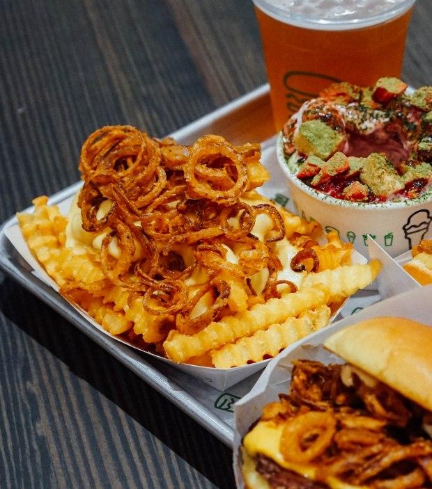 shake-shack-singapore-shackmeister-fries