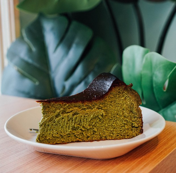 the-twisted-trio-matcha-burnt-cheesecake