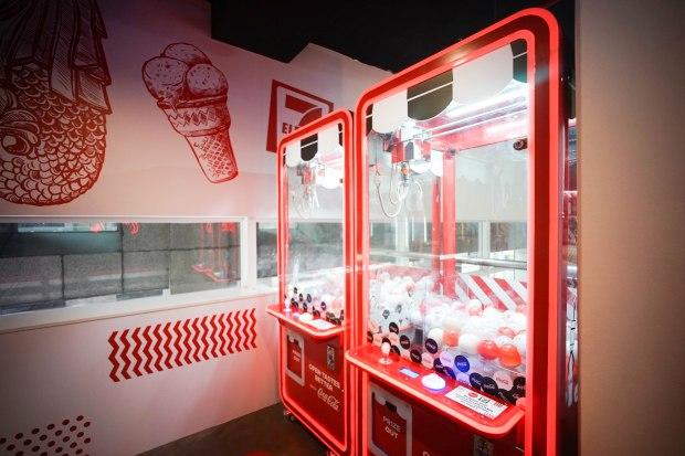 7-eleven-coca-cola-store-arcade-machines