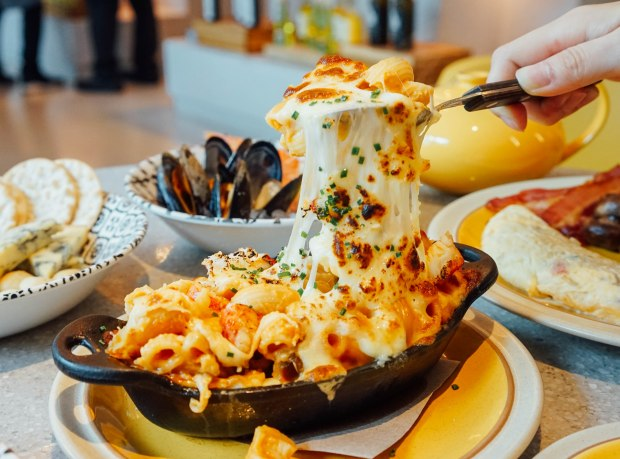 andaz-alley-on-25-lazy-breakfast-lobster-mac-and-cheese
