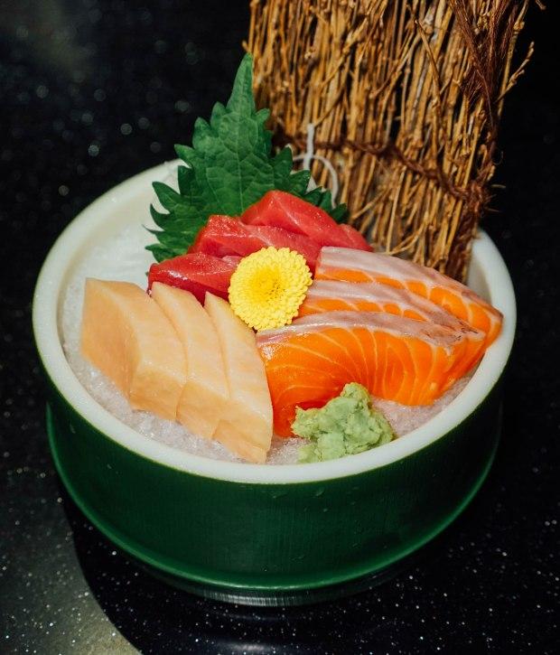 gaku-sushi-bar-sashimi-platter