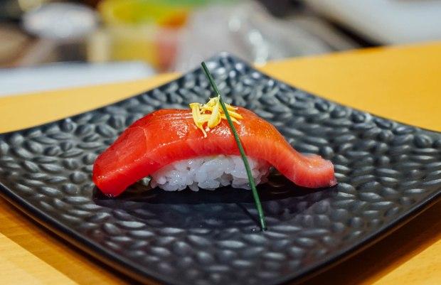 wa-i-sushi-omakase-chutoro-nigiri